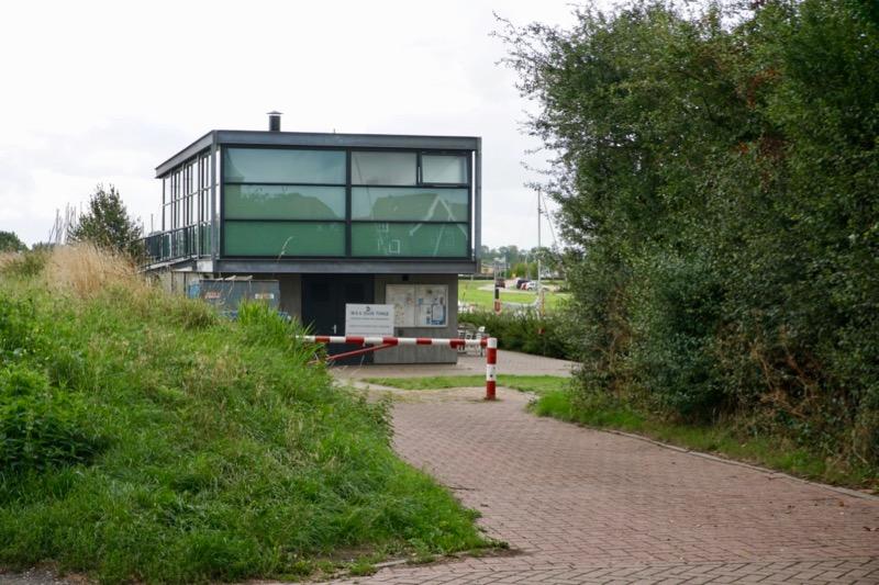 Het havenkantoor van de W.S.V. Oude-Tonge