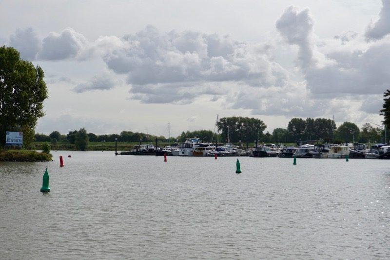 Jachthaven 'De Peiler' aan de Lek bij Vianen
