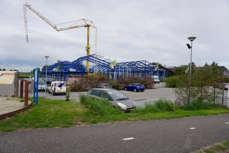 De loodsen op Jachthaven Marnemoende worden weer opgebouwd