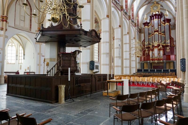 Het interieur van de Maartenskerk in Zaltbommel