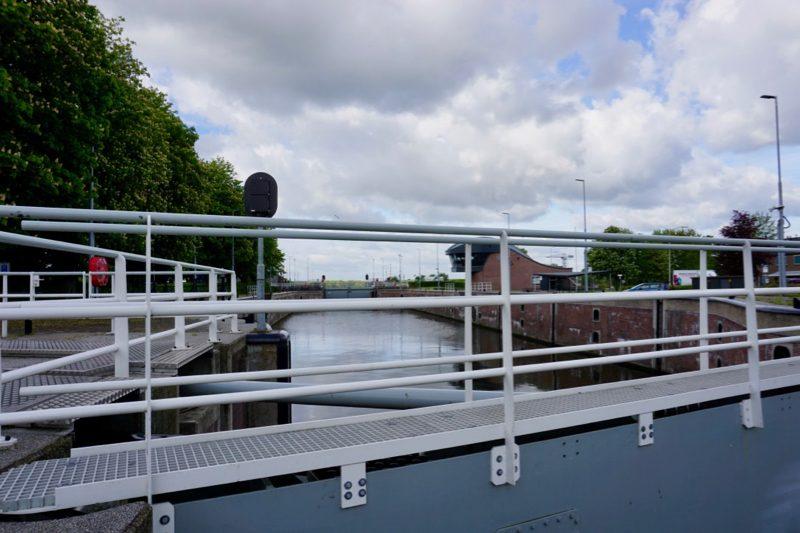 De Merwedesluis naar het Merwedekanaal in Gorinchem