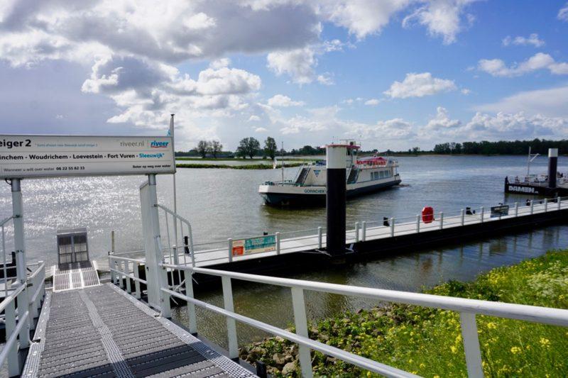 De steiger van de veerboten van Riveer in Gorinchem