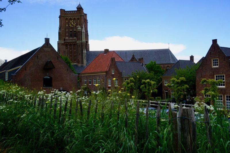 Zicht op de Sint-Martinuskerk van Woudrichem