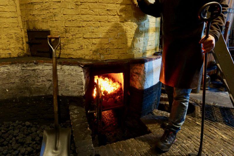 De historische branderij waar moutwijnjenever gestookt wordt volgens receptuur uit 1700
