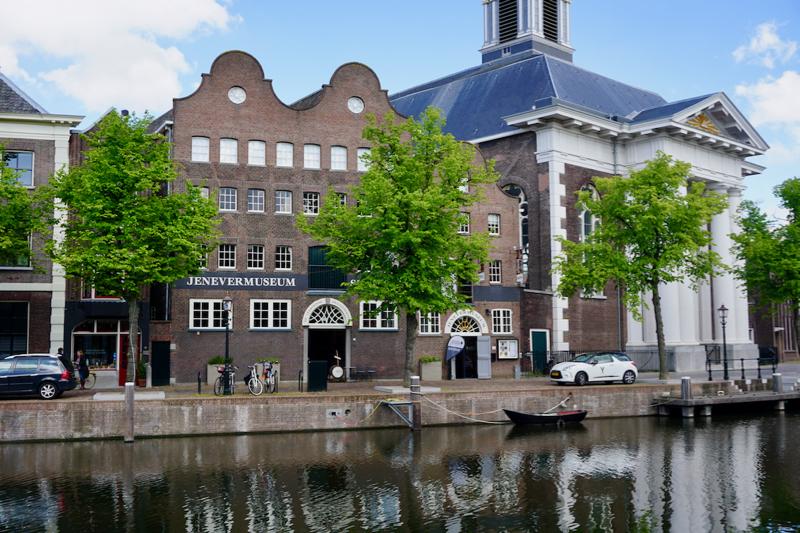 Het nationaal Jenevermuseum aan de Lange Haven in Schiedam