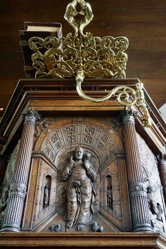 De preekstoel in de Grote- of Sint Janskerk van Schiedam is één van de oudste kansels van Nederland