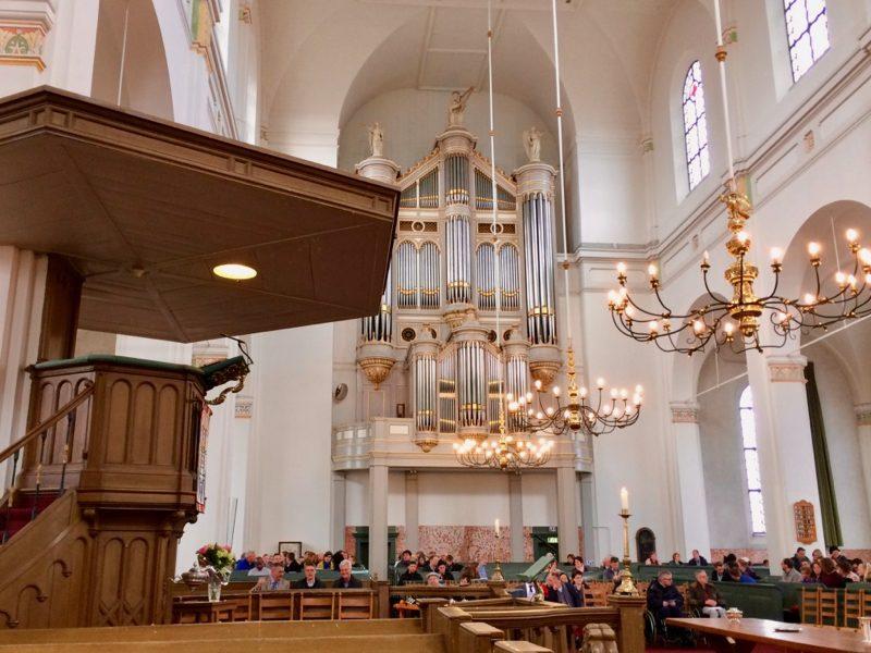 Het interieur van de Grote kerk van Gorinchem