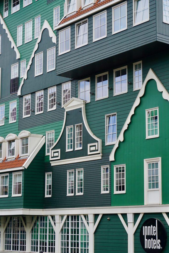 Detail van het Inntel Hotel in Zaandam