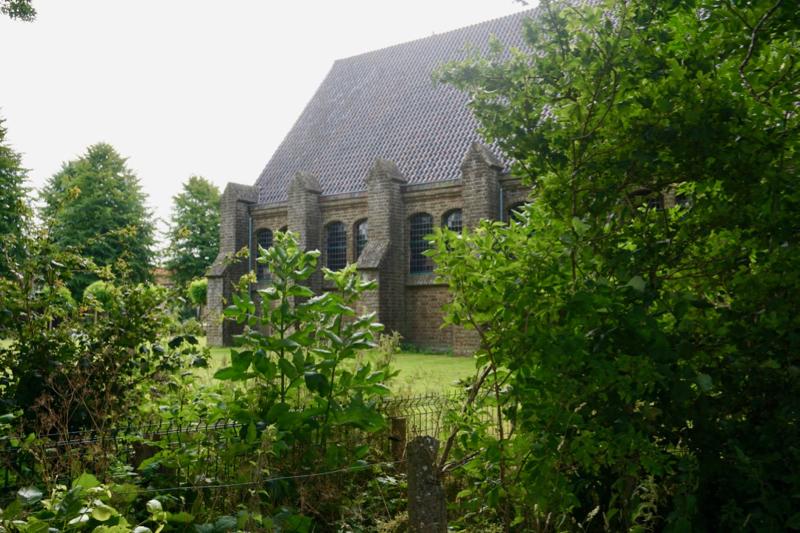 Het kerkgebouw van de Hervormde kerk uit 1934 in Middenmeer