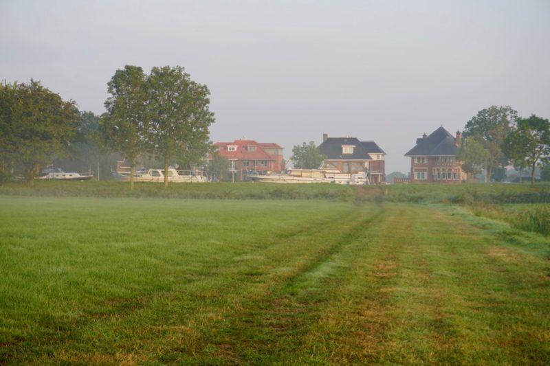De Bahama's op de Amstel met ochtend mist