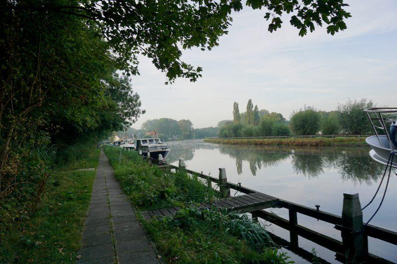 Vrije aanmeerplaats voor de Zegerbrug aan het Aarkanaal