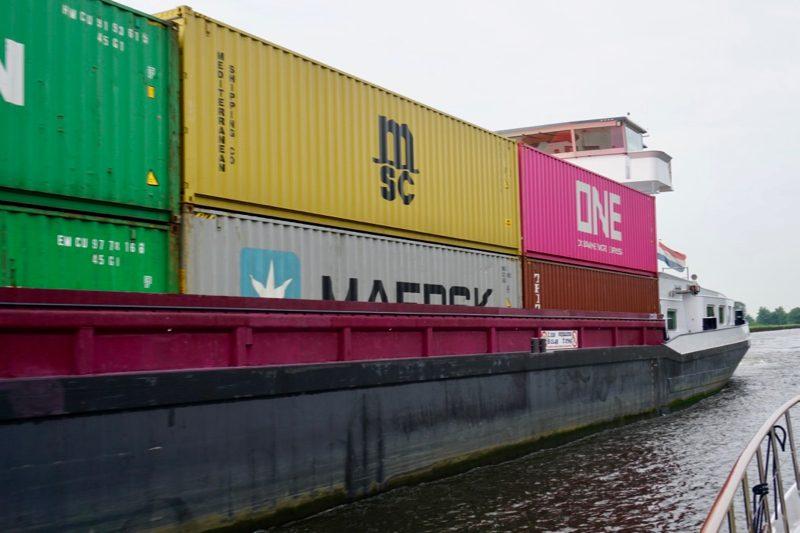 Containerboot op het Meppelerdiep