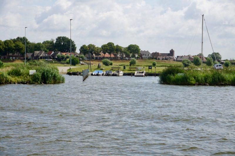 De kleine haven van Wilsum aan de Gelderse IJssel