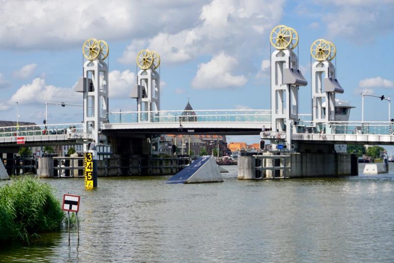 De stadsbrug van Kampen