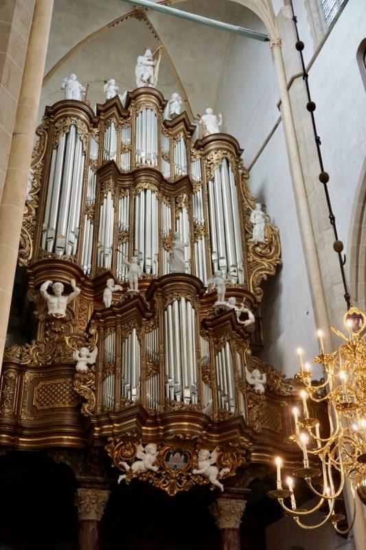Het grote Hinsz-orgel in de Bovenkerk te Kampen