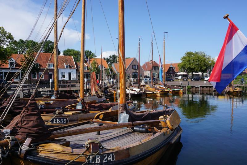 De bruine vloot in de Vissershaven van Elburg